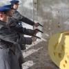 «Почему вы этих воров не расстреляете?» О российской экономике на пальцах